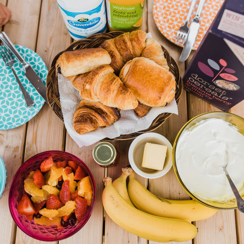 Light Hamper with pastries, fruit and yogurt